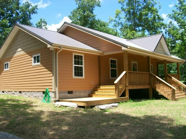 623 Lou Rd, Pikeville, TN 37367