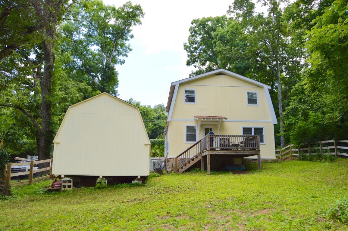 836 Carlin St, Signal Mountain, TN 37377