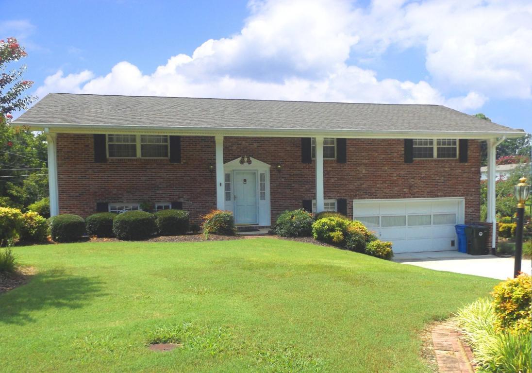 1221 Radmoor Ln, Chattanooga, TN 37421