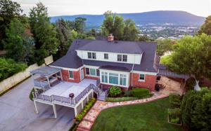 584 S Crest Rd, Chattanooga, TN 37404