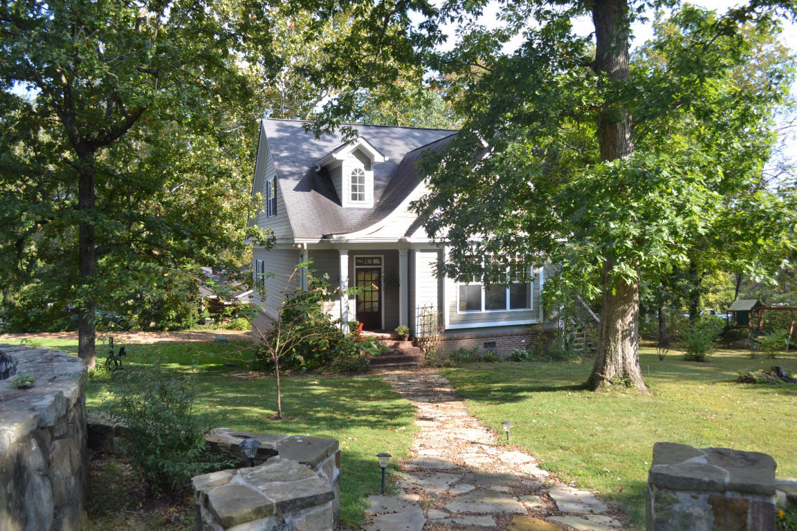 216 Hardy Rd, Lookout Mountain, GA 30750