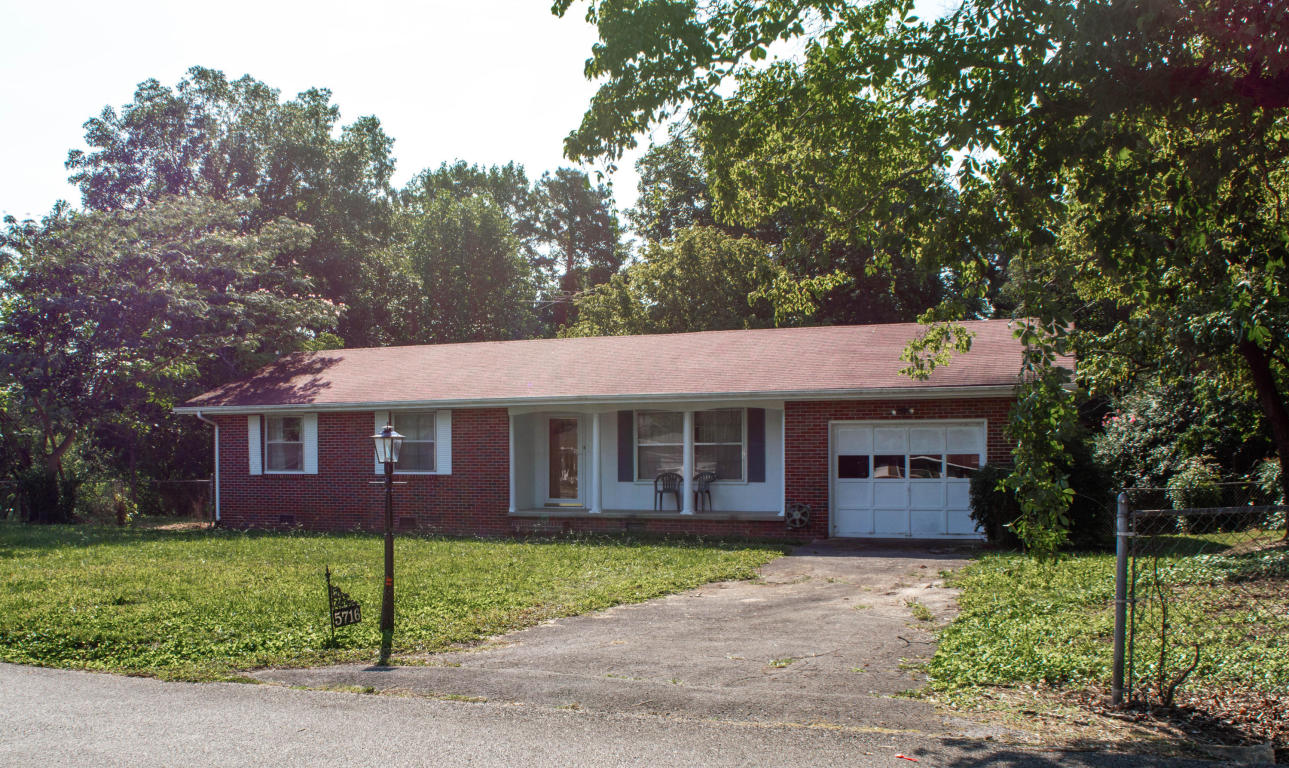 5716 Hillcrest Dr, Harrison, TN 37341