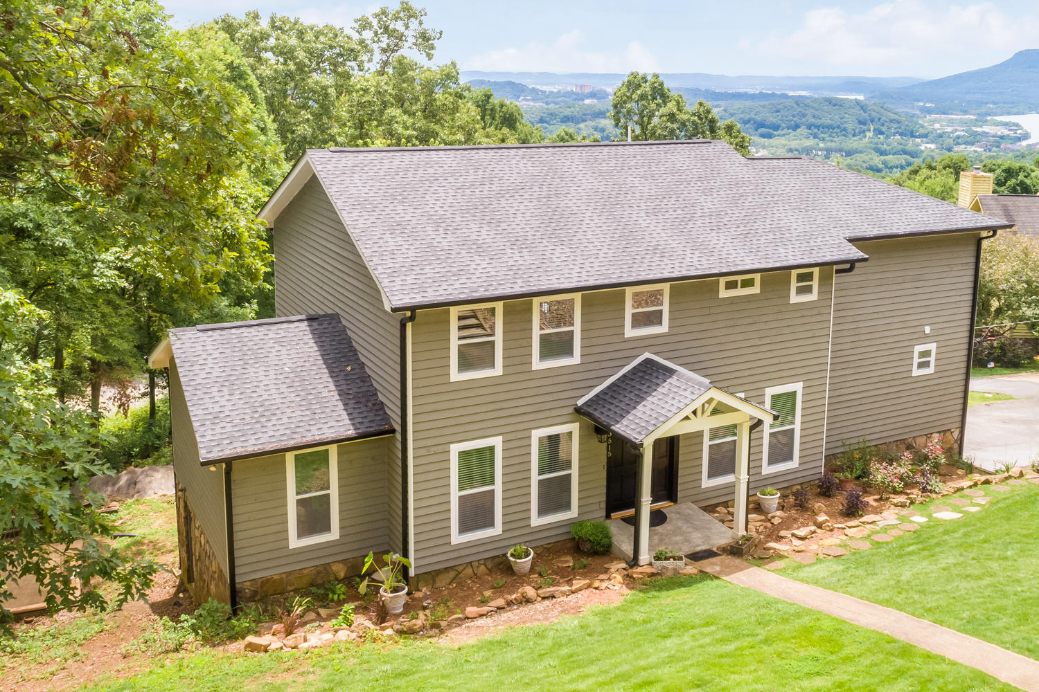 3515 Haven Oaks Tr, Signal Mountain, TN 37377