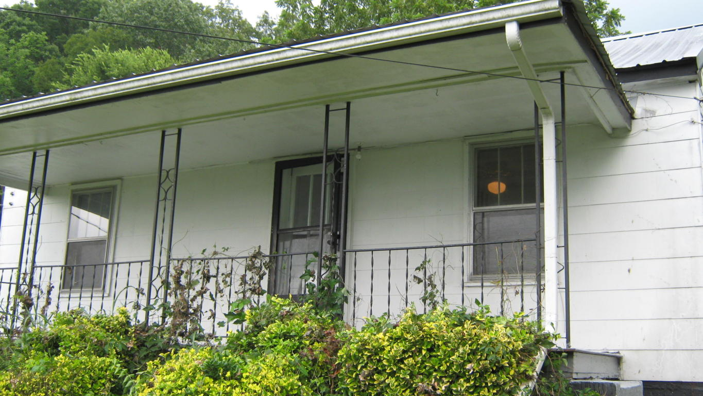 1314 Kelly St, Rossville, GA 30741