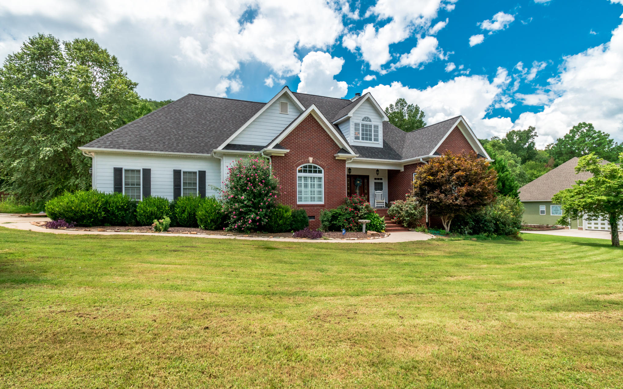 145 Payton Dr, South Pittsburg, TN 37380