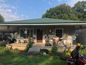 960 Cross St, Rossville, GA 30741