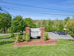 337 Ivey Gate Pl, Dalton, GA 30720