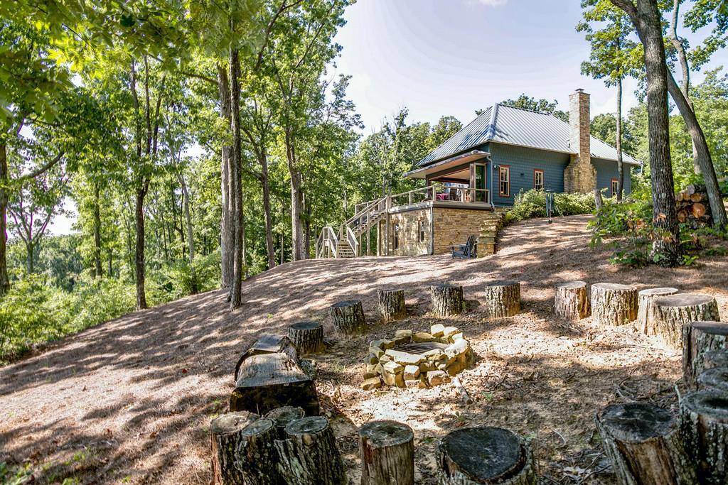 1071 Long Mountain Tr, Mcminnville, TN 37110