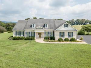 223 Cooper Ln, Pikeville, TN 37367