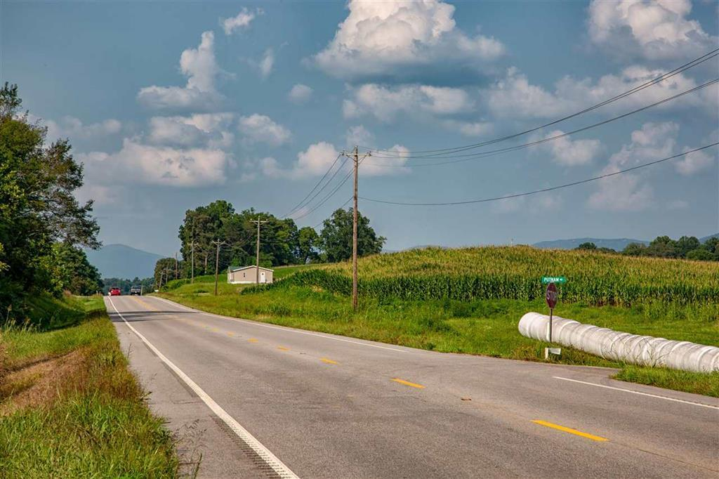 13.14ac Highway 127, Pikeville, TN 37367