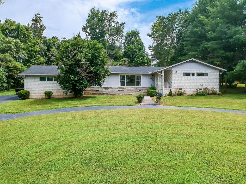 610 Pine Hollow Rd, Dayton, TN 37321