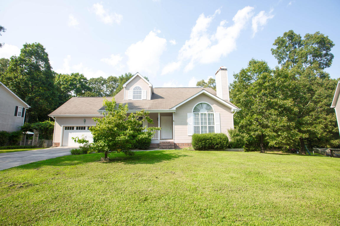 9822 Autumn Glen Dr, Soddy Daisy, TN 37379