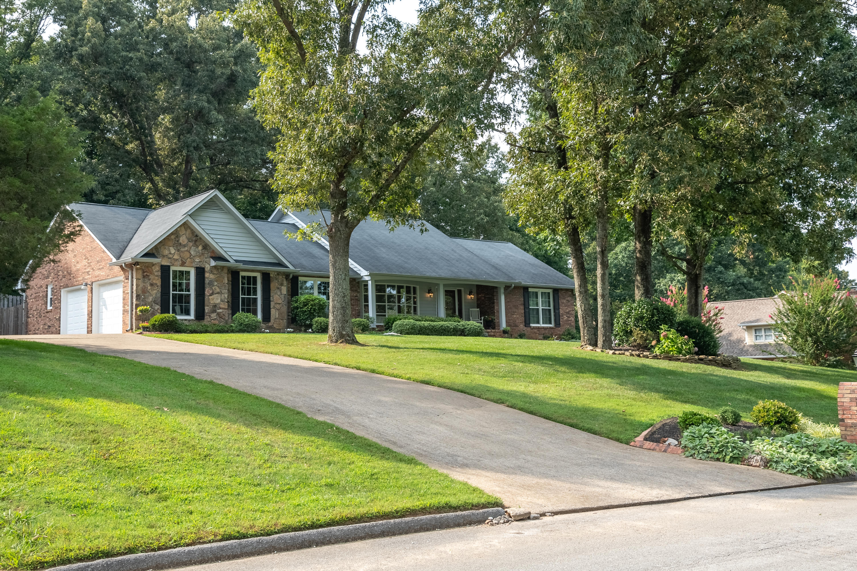 5509 Mill Stone Dr, Ooltewah, TN 37363