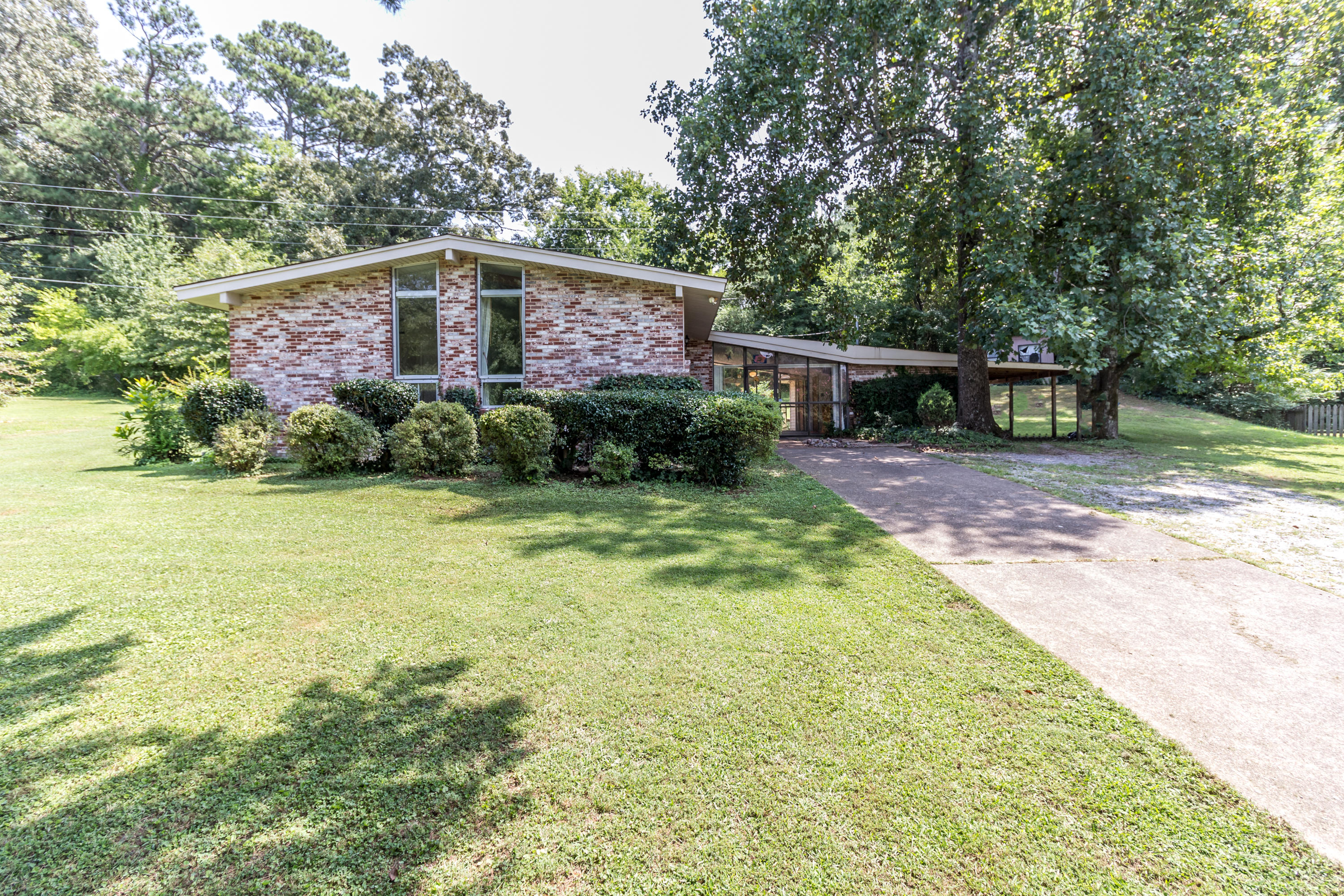 4706 Lake Haven Dr, Chattanooga, TN 37416
