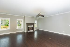 565 Lakeshore Cove Dr, Fort Oglethorpe, GA 30742
