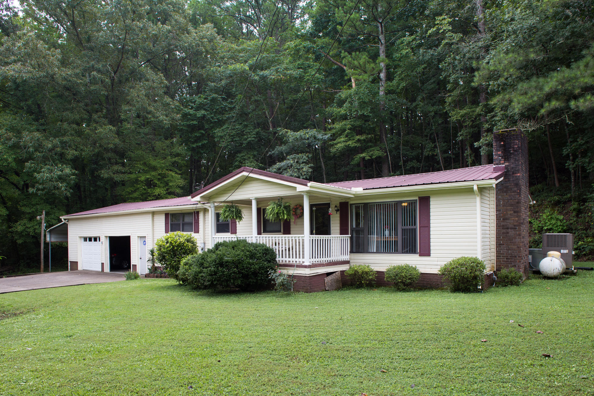 2149 N Long Hollow Rd, Chickamauga, GA 30707