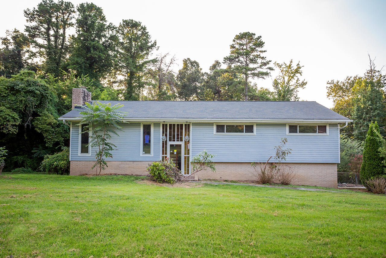 1013 Olde Mill Ln, Hixson, TN 37343