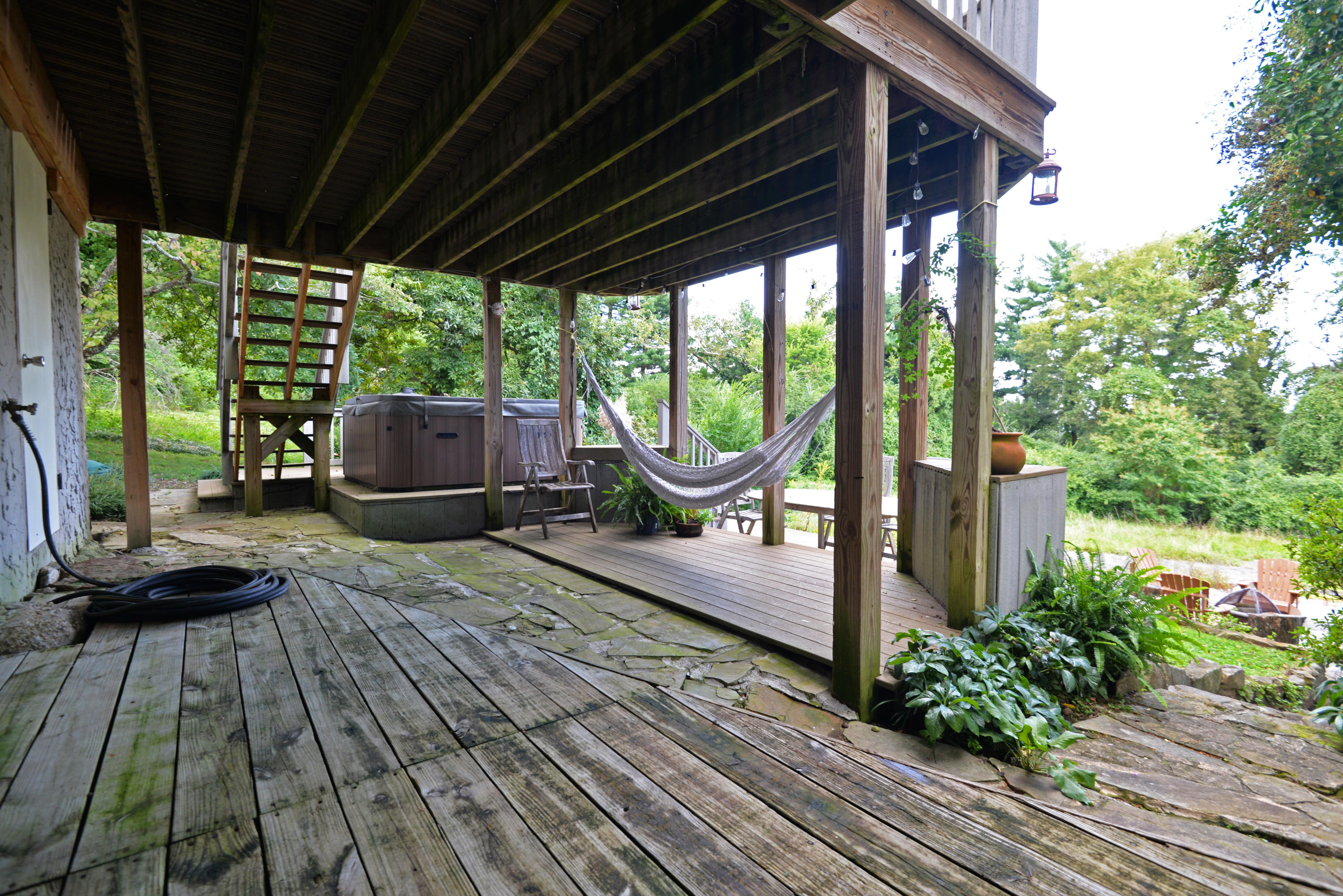 1105 Lula Lake Rd, Lookout Mountain, GA 30750