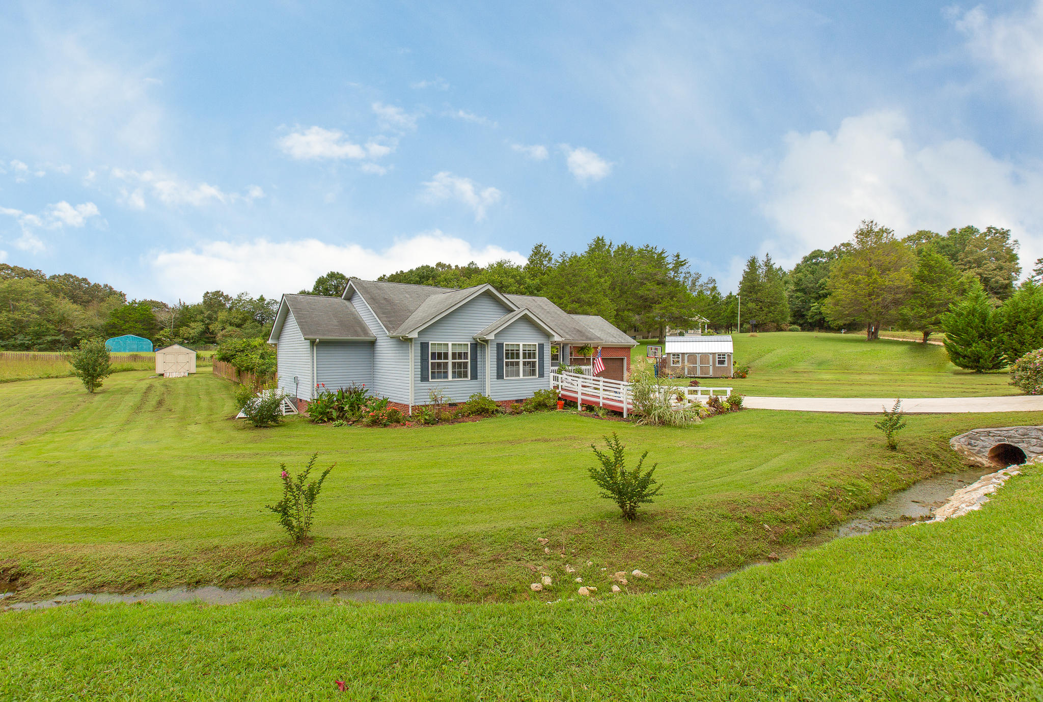 14019 Mt Tabor Rd, Soddy Daisy, TN 37379