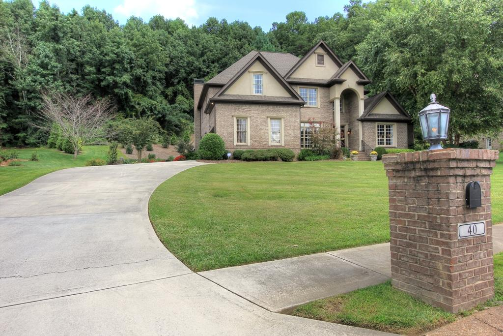 40 Ridgerock Dr, Signal Mountain, TN 37377