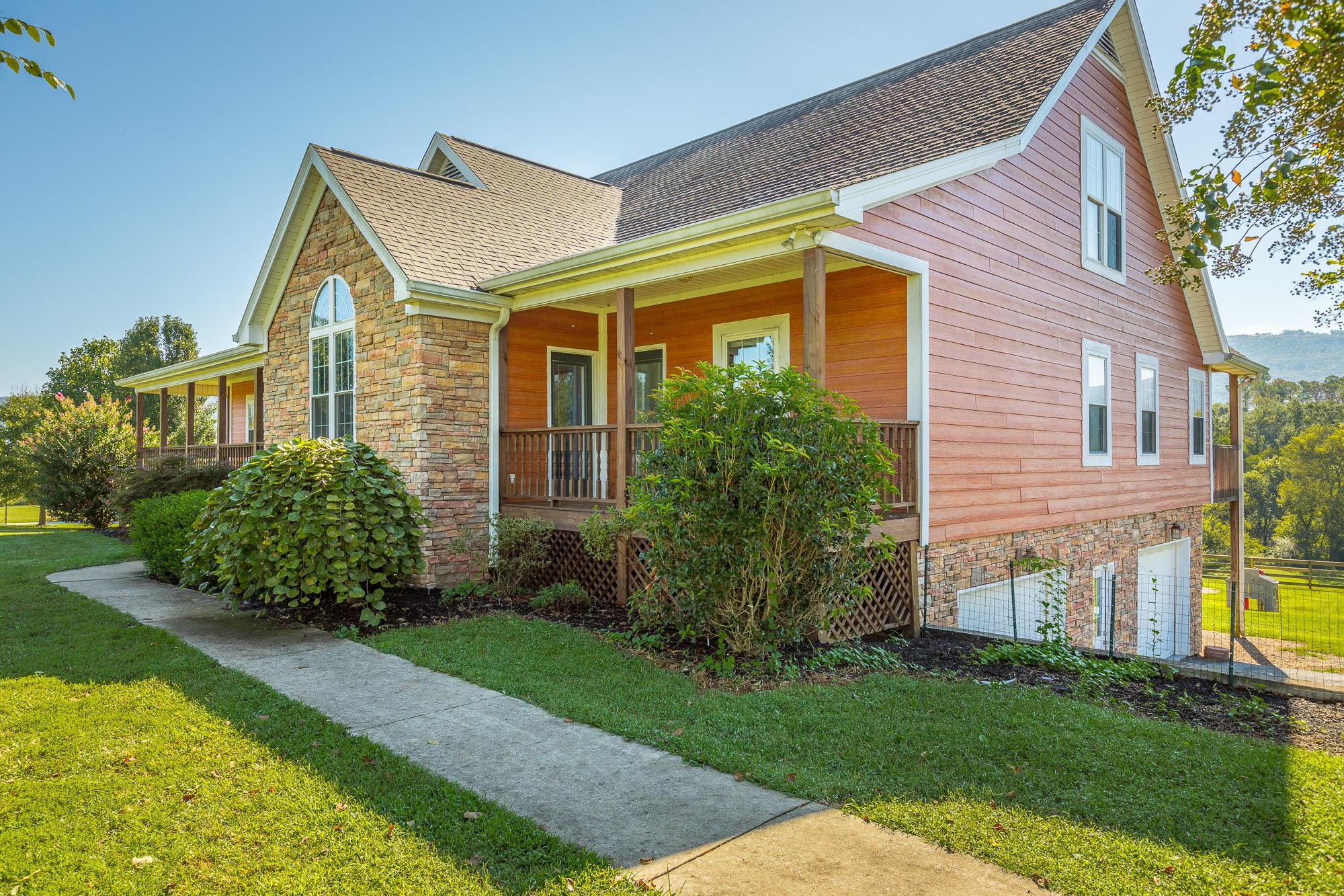 679 Neal Rd, Dunlap, TN 37327