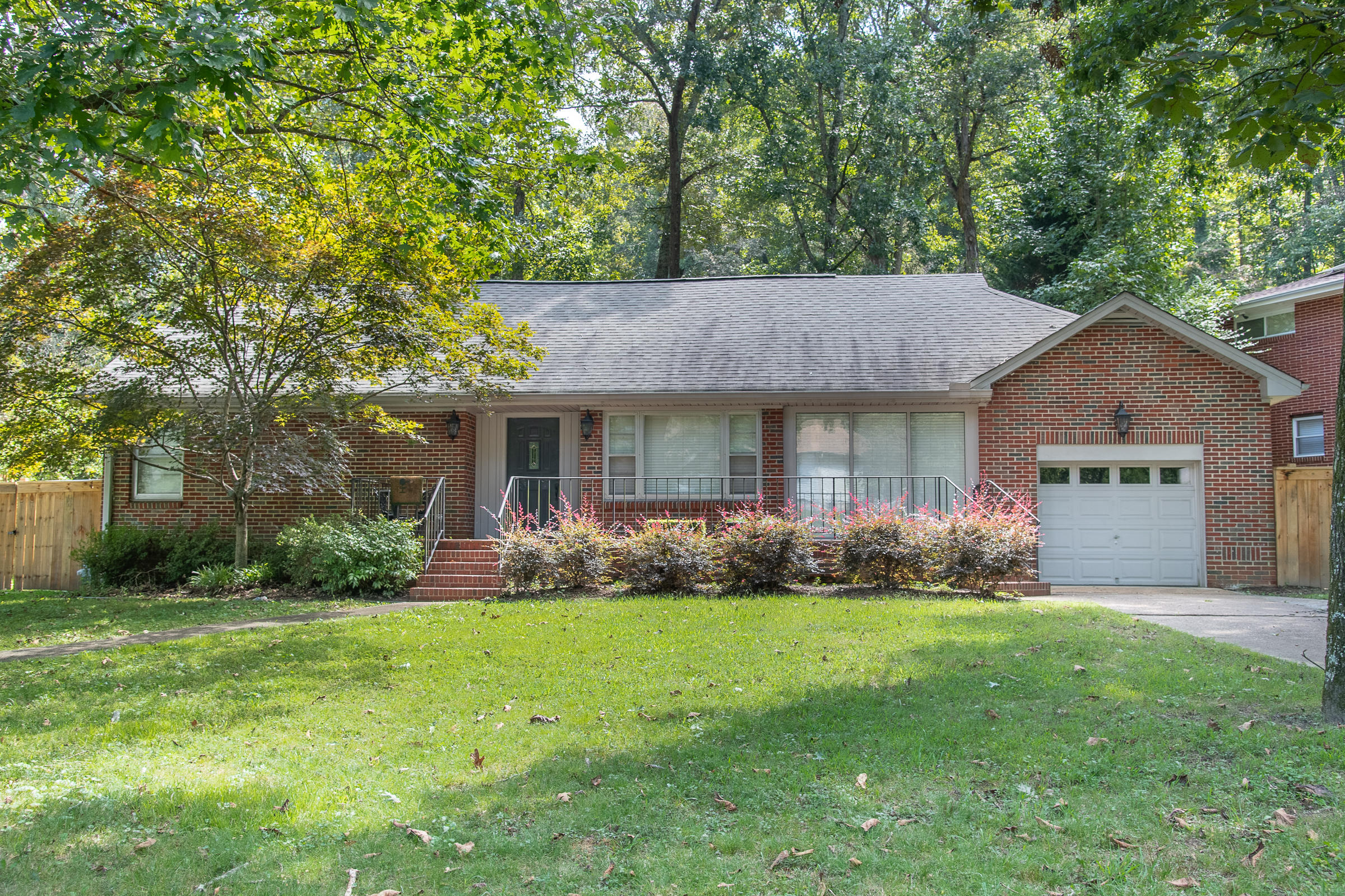 1935 Hixson Pike, Chattanooga, TN 37405