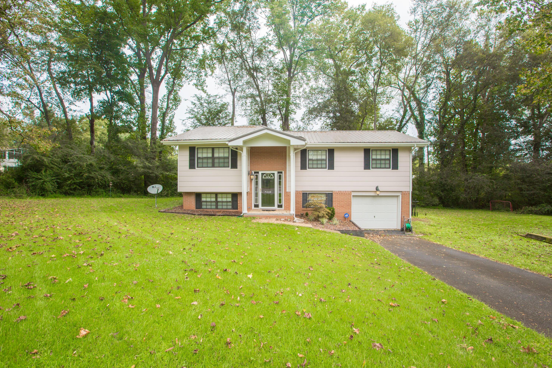 1158 S Crestfield Ln, Hixson, TN 37343