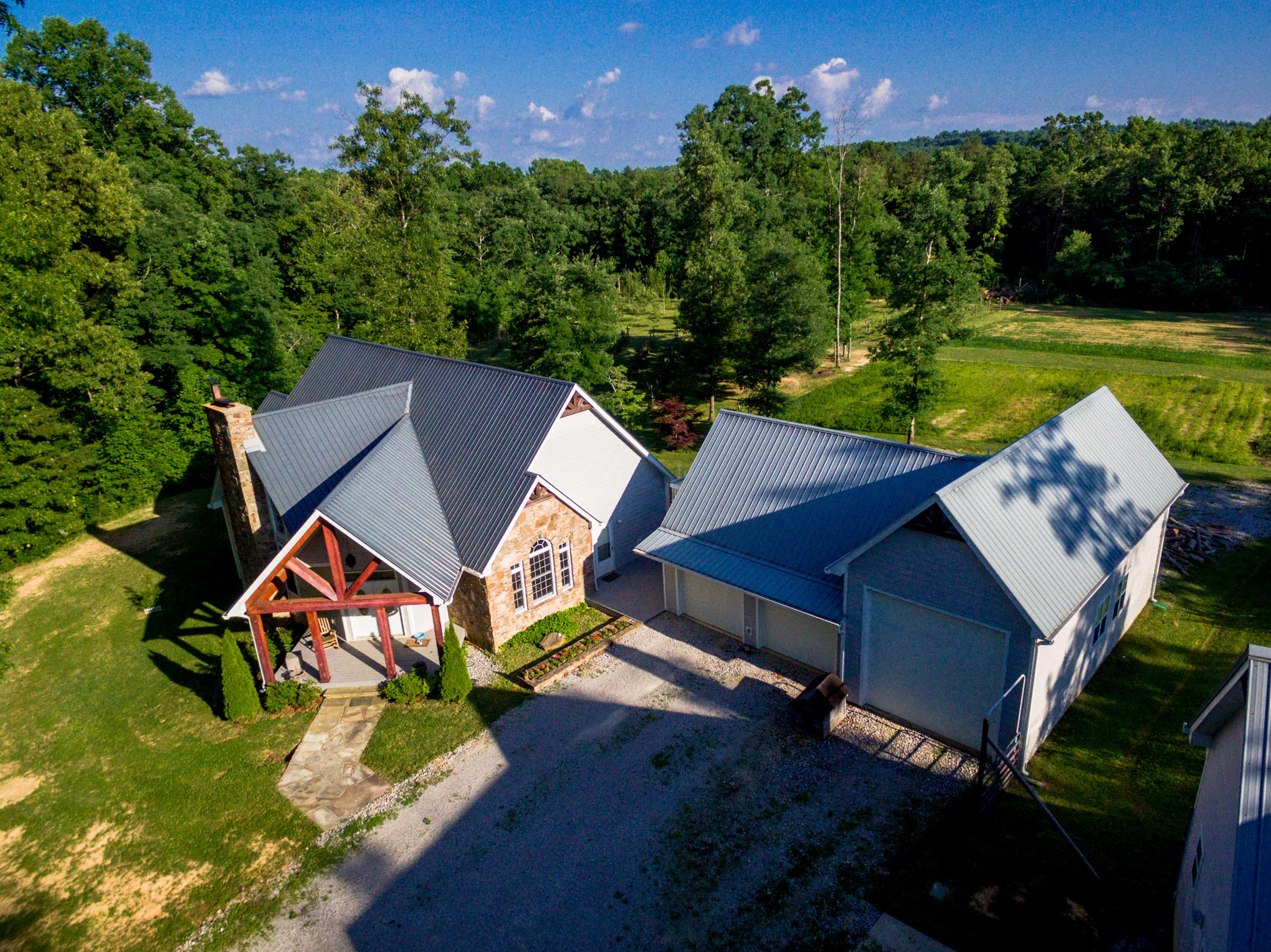 370 Caldwell Rd, Coalmont, TN 37313