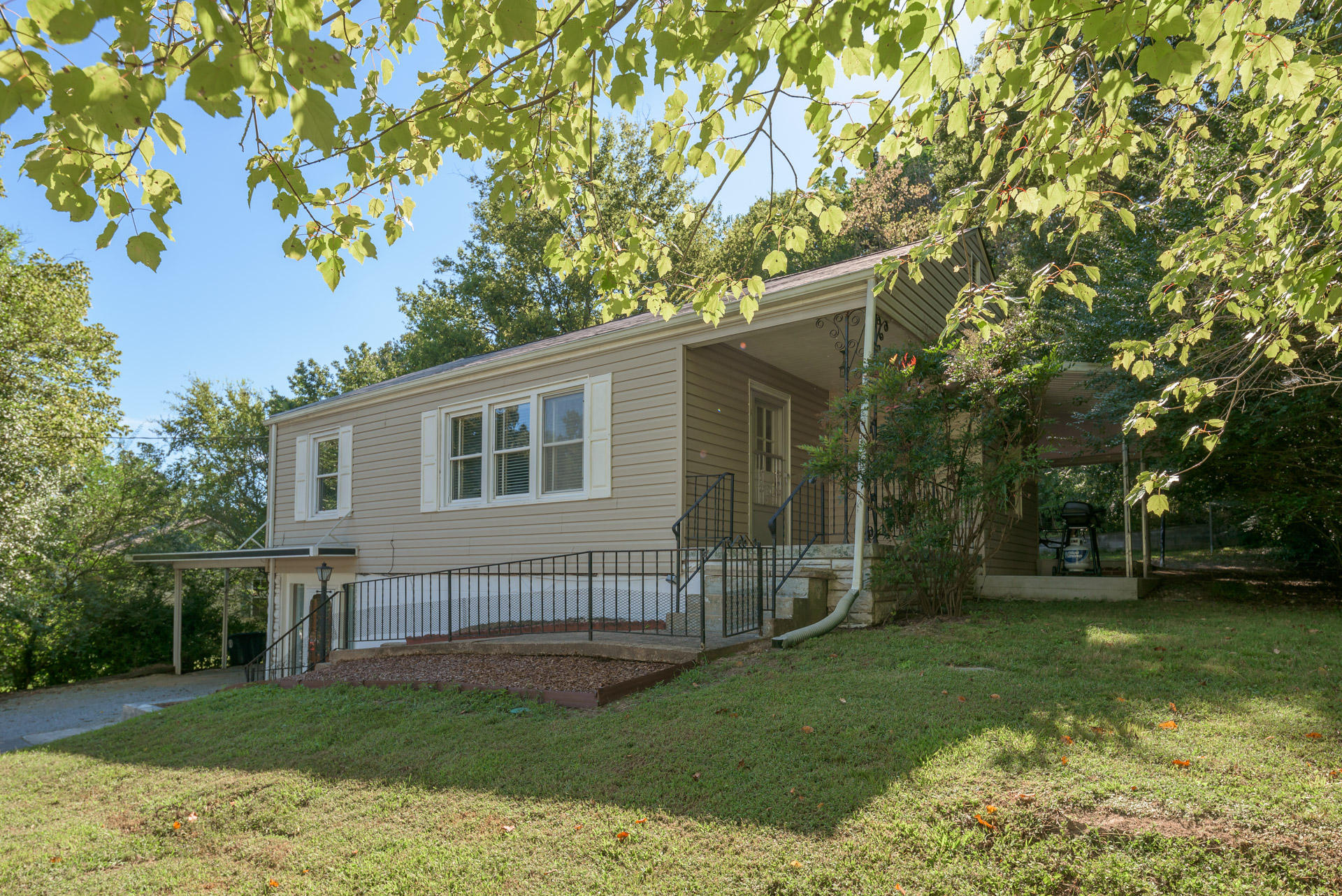 3710 Connelly Ln, Chattanooga, TN 37412