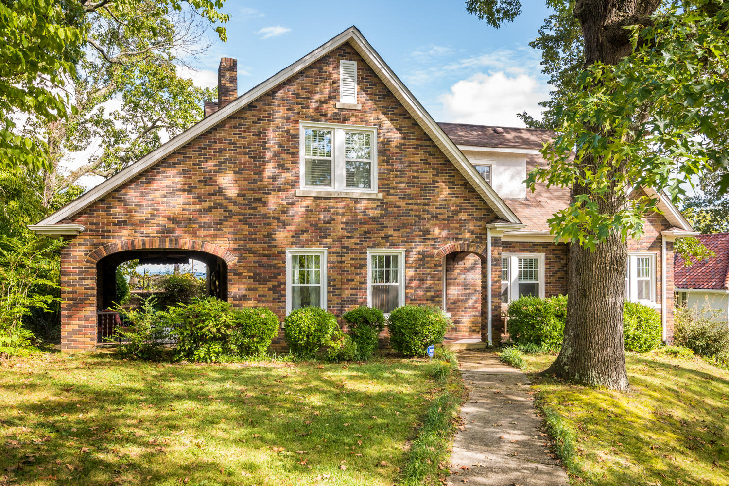 518 S Crest Rd, Chattanooga, TN 37404