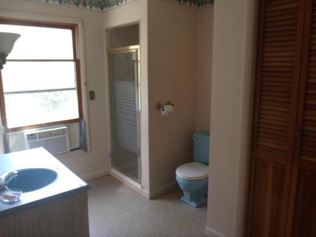 740 E Valley Rd, Jasper, TN 37347