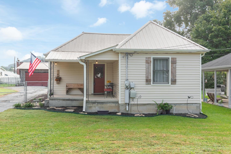 706 Carden Ave, Rossville, GA 30741