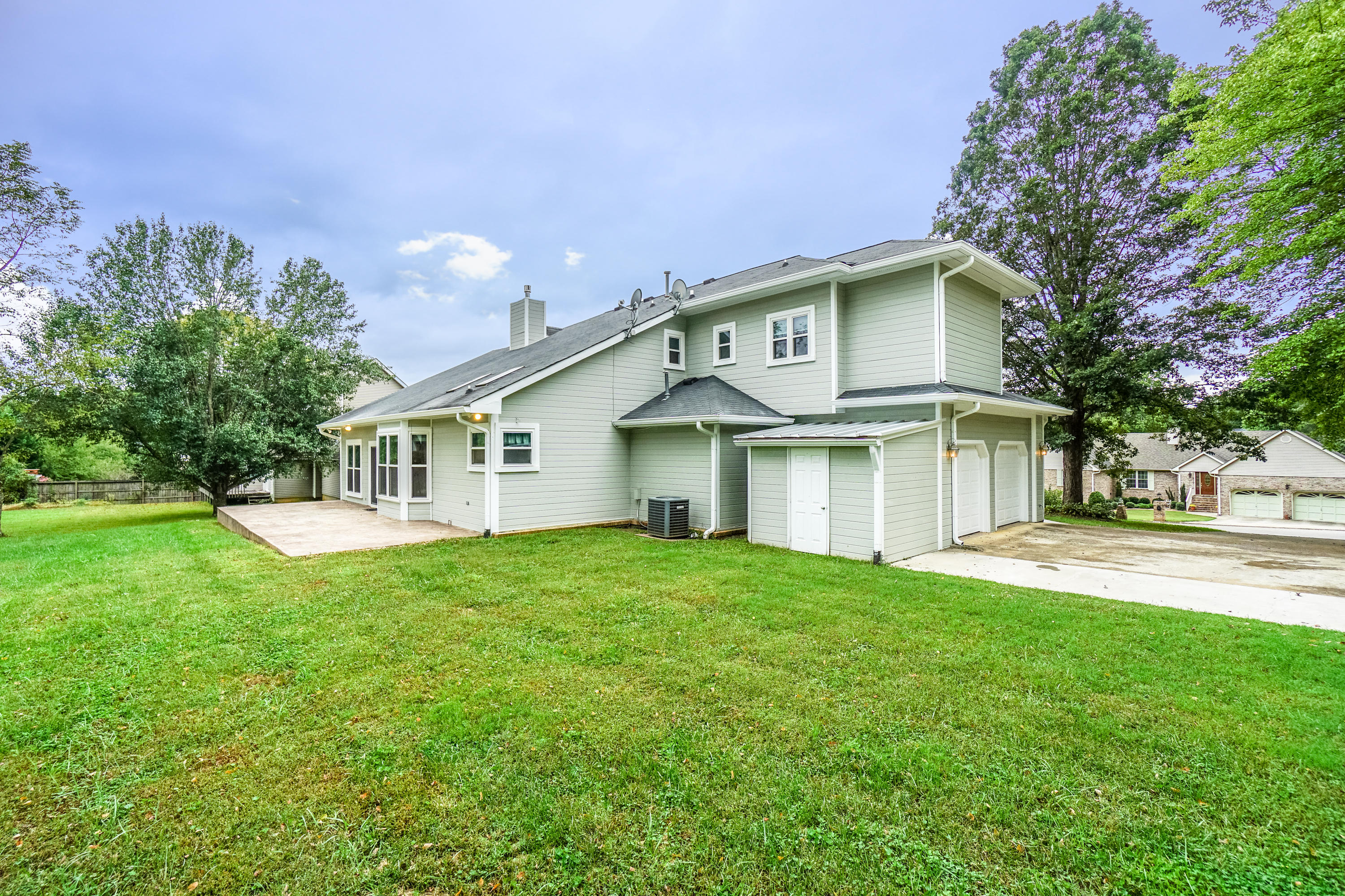 2812 Deerfield Rd, Ooltewah, TN 37363