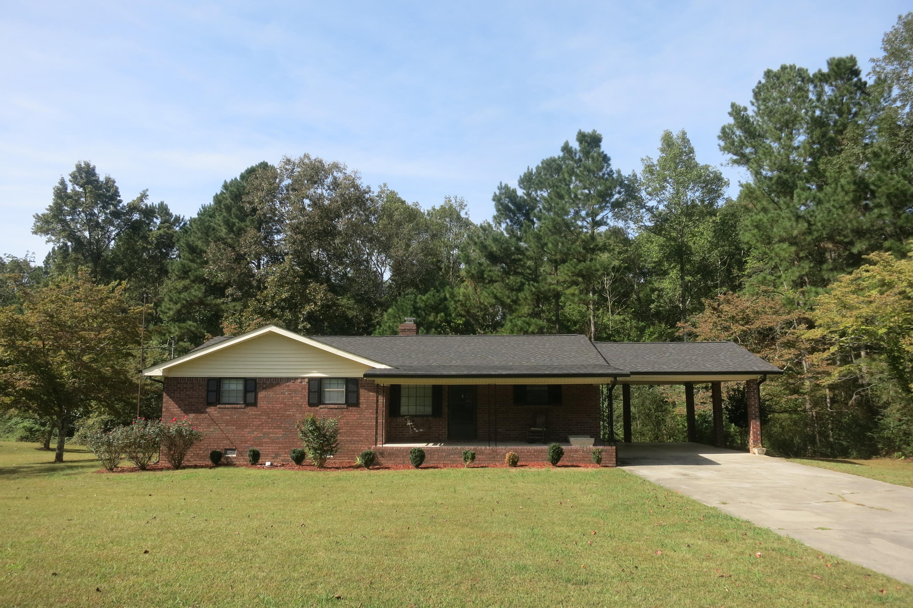 166 Dogwood Ln, Tunnel Hill, GA 30755