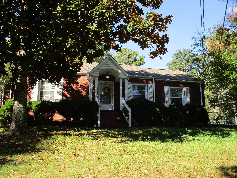 1307 S Crest Rd, Rossville, GA 30741