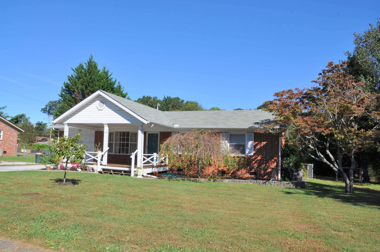 1215 Helena Dr, Hixson, TN 37343