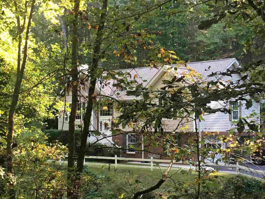 421 Nw Mapleton Dr, Cleveland, TN 37312