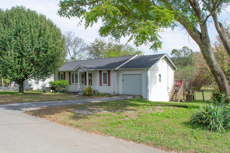 1404 Bethune St, Rossville, GA 30741