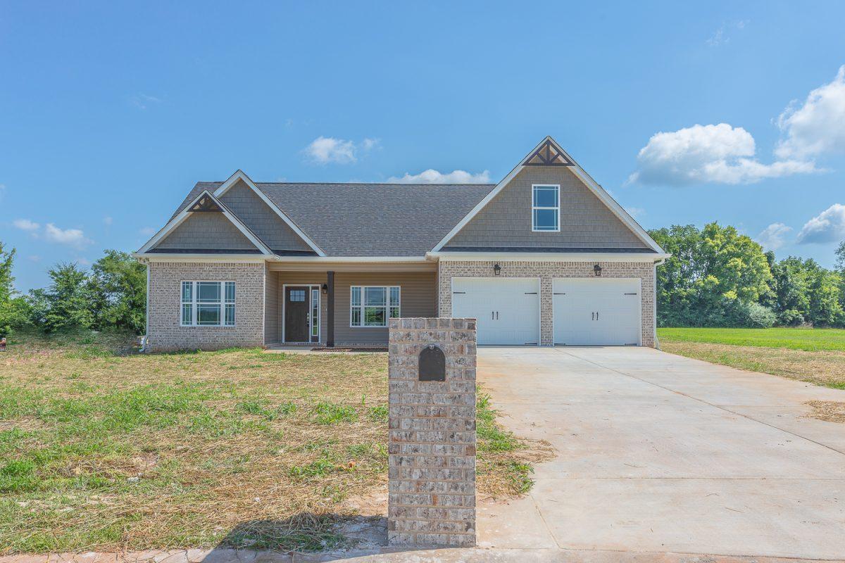 164 Farm View Cir, Rock Spring, GA 30739