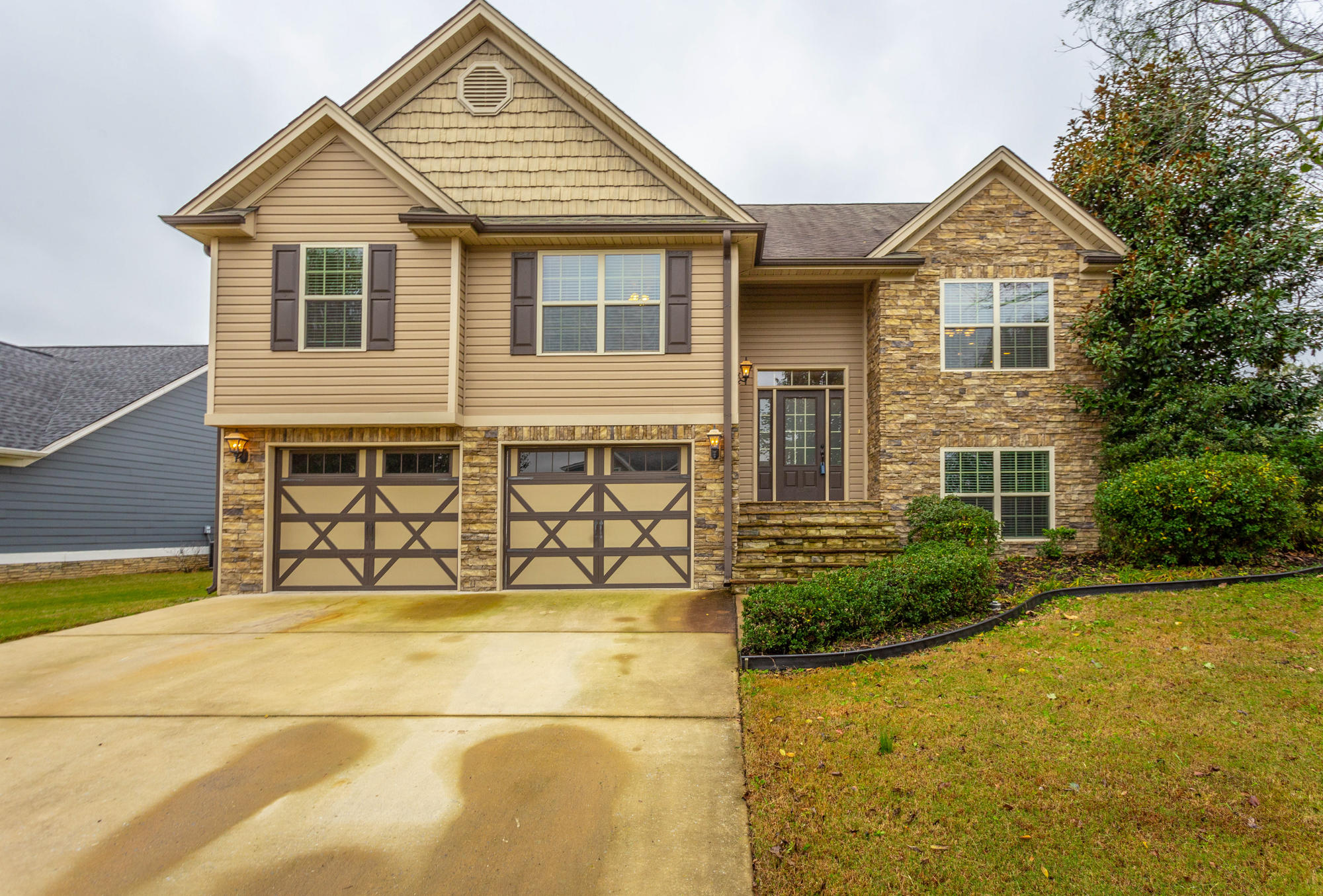 24 Holly Oak Ln, Ringgold, GA 30736