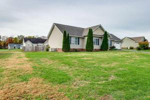 411 Golden Cir, Cookeville, TN 38506