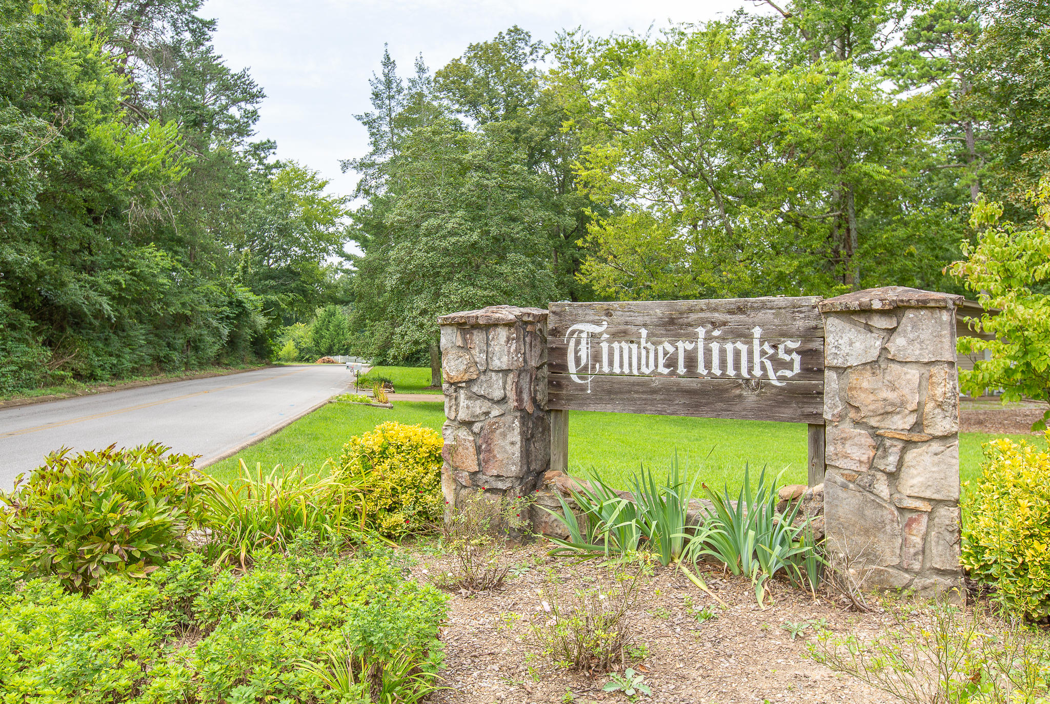 202 Pinehurst Ln, Signal Mountain, TN 37377