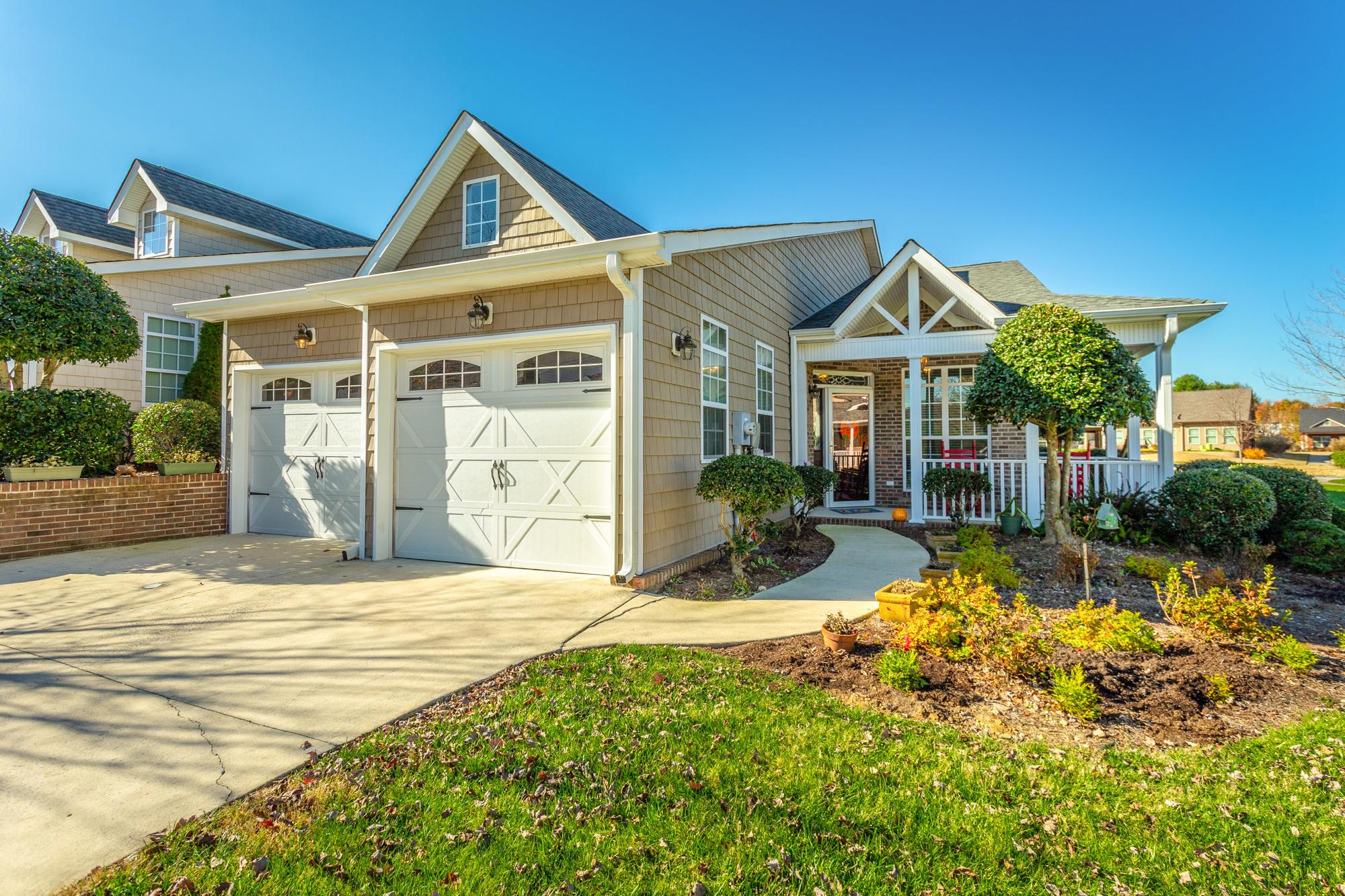 80 Hillhouse Ln, Ringgold, GA 30736