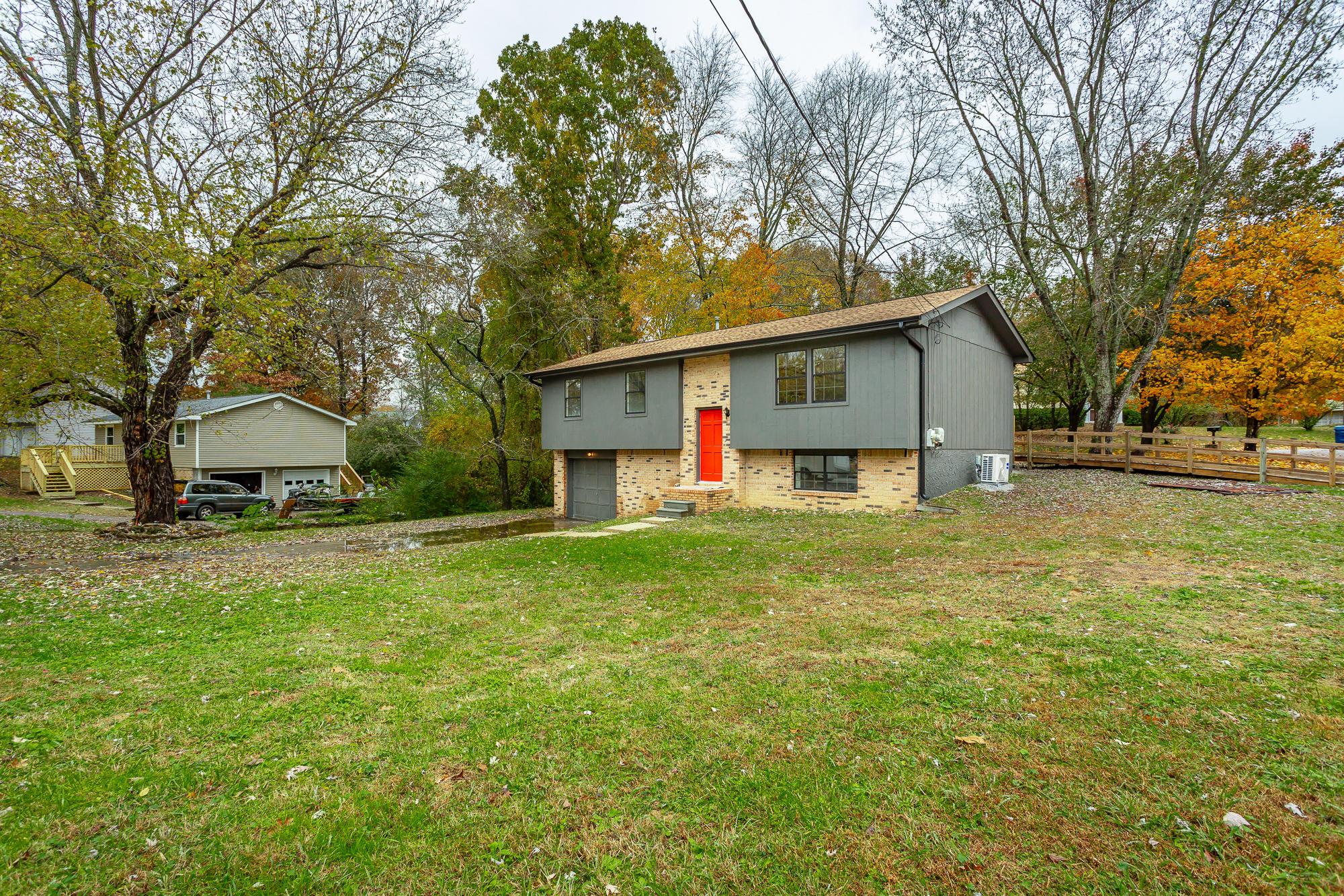 812 Northbrook Dr, Hixson, TN 37343