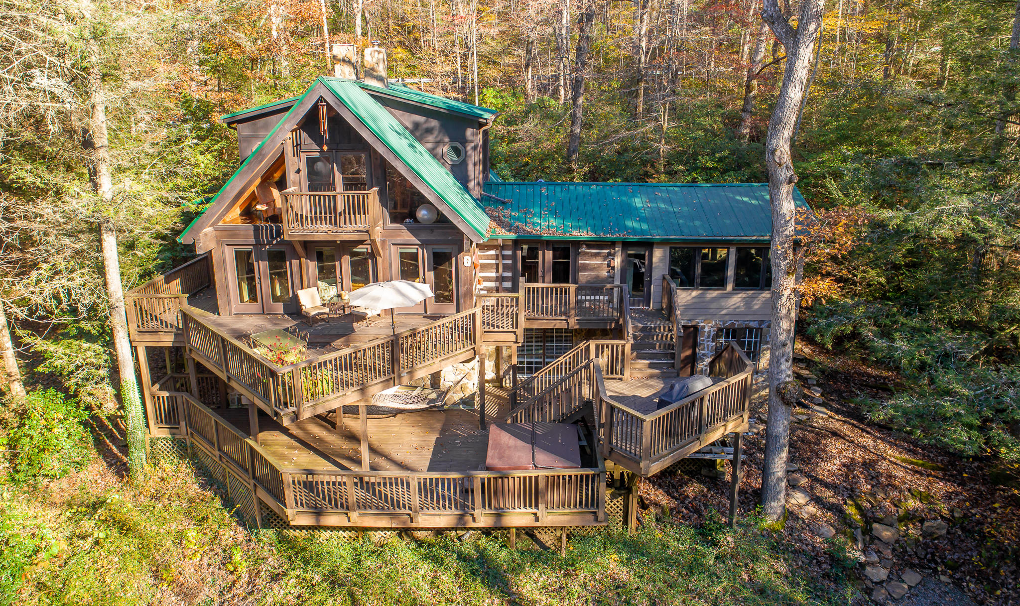 6401 Sawyer Rd, Signal Mountain, TN 37377