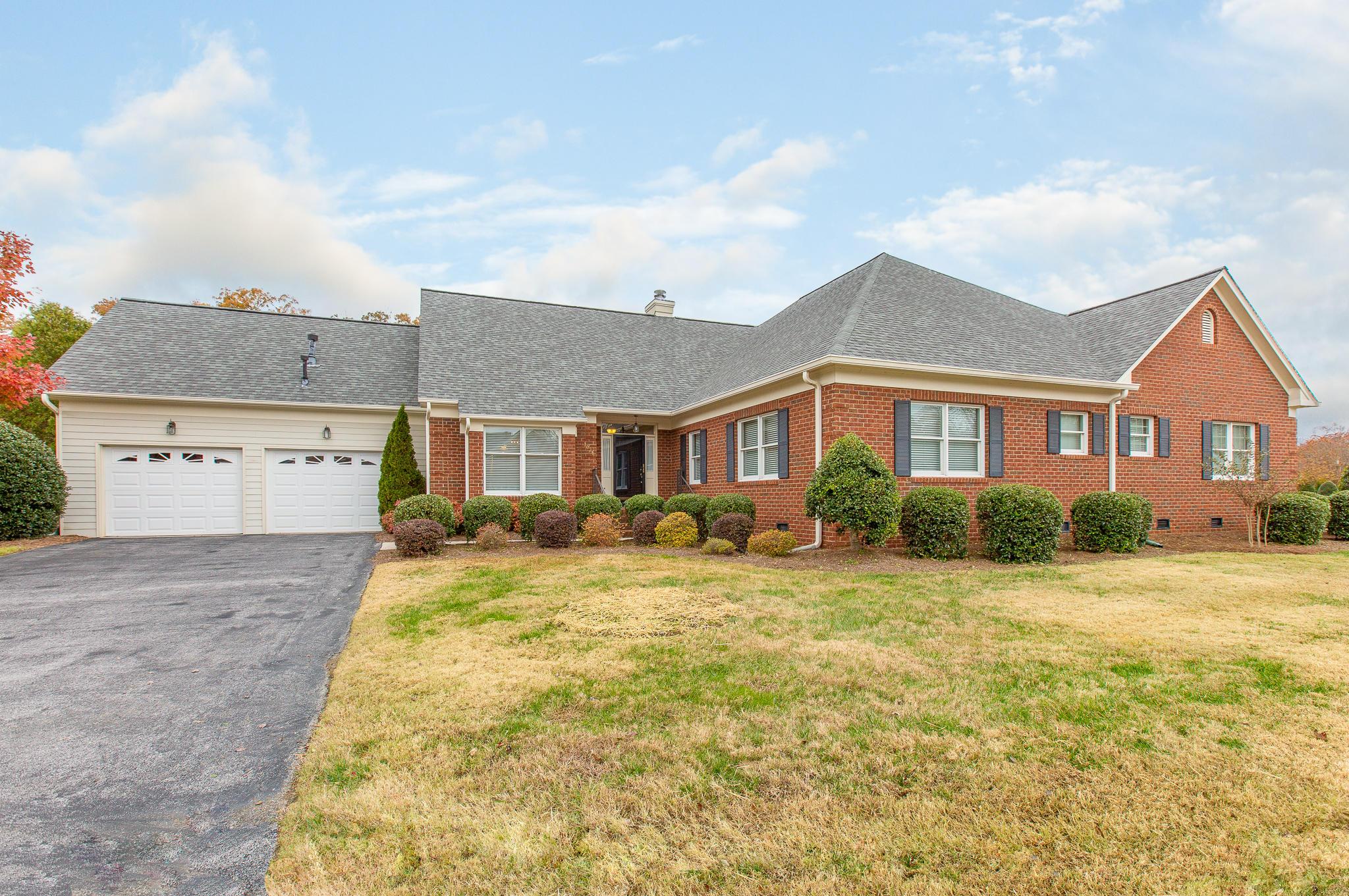 1026 Westbridge Ln, Chattanooga, TN 37405