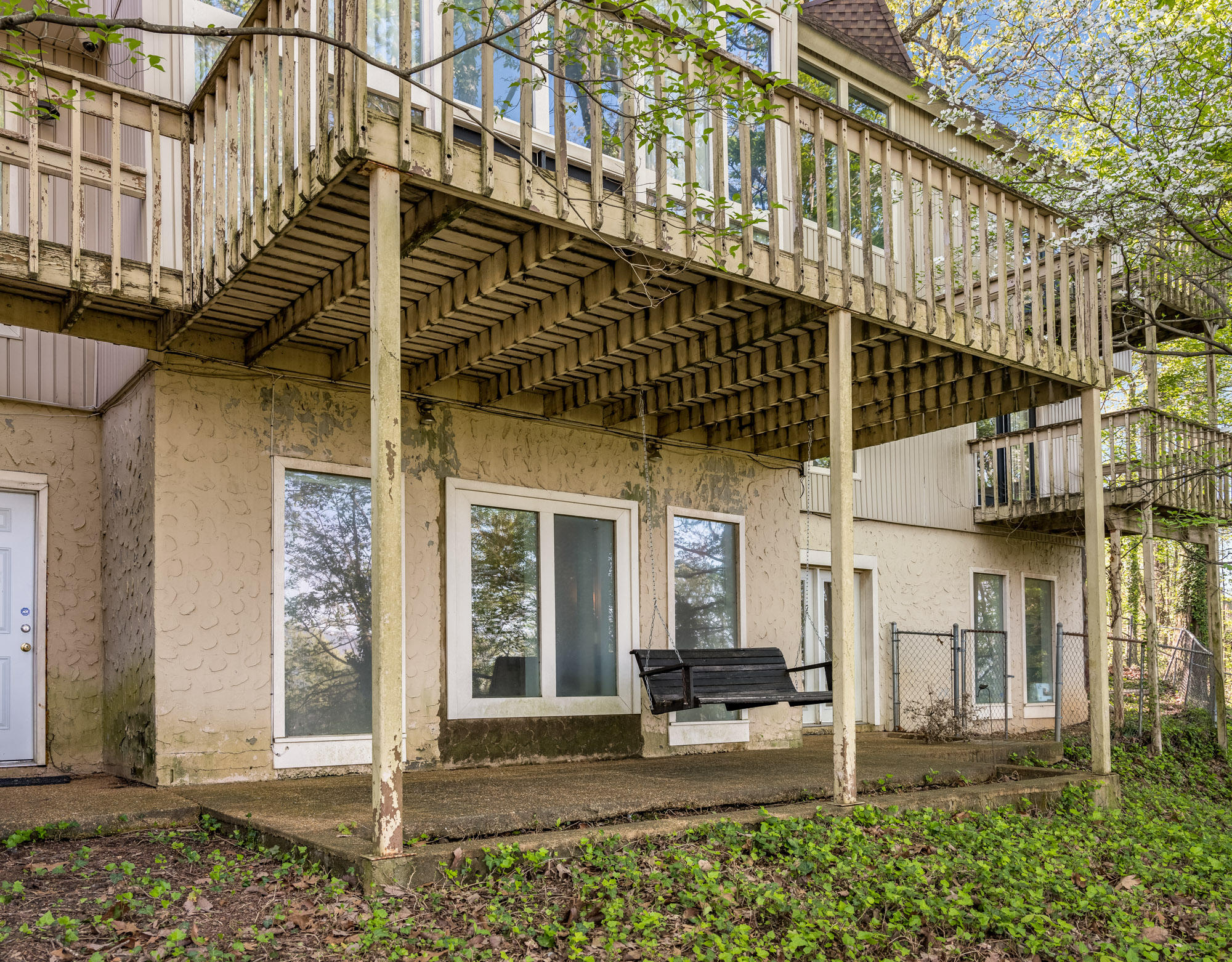 567 S Crest Rd, Chattanooga, TN 37404