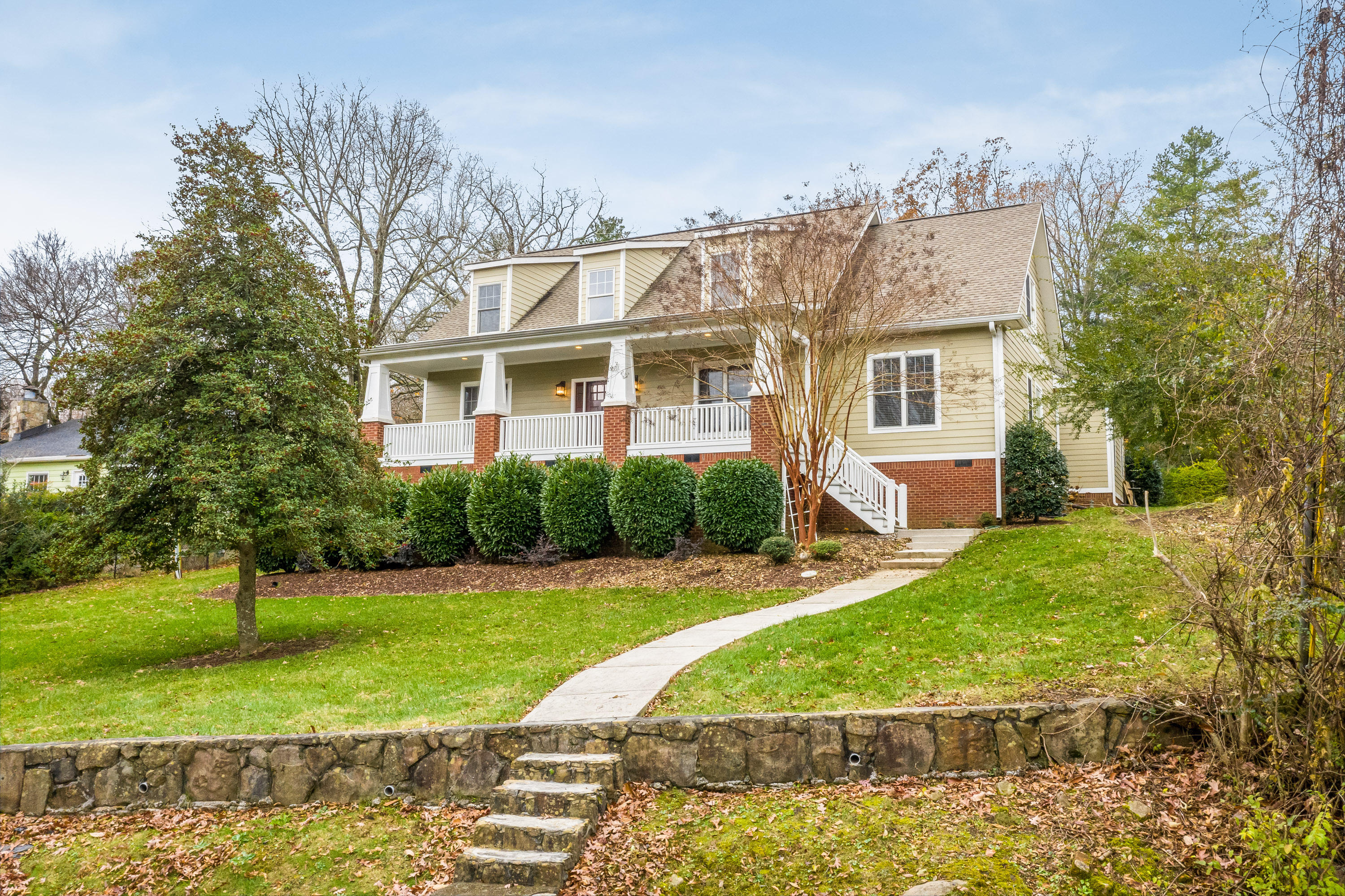 604 W Sunset Rd, Lookout Mountain, TN 37350