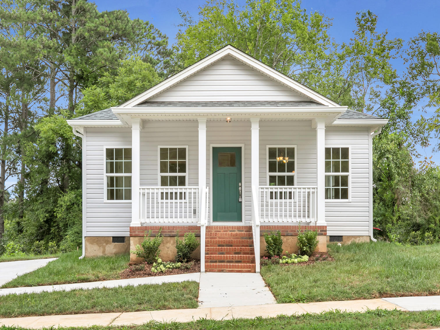 706 Woodmore Ln, Chattanooga, TN 37411