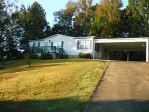 210 Betsy Ln, Rossville, GA 30741